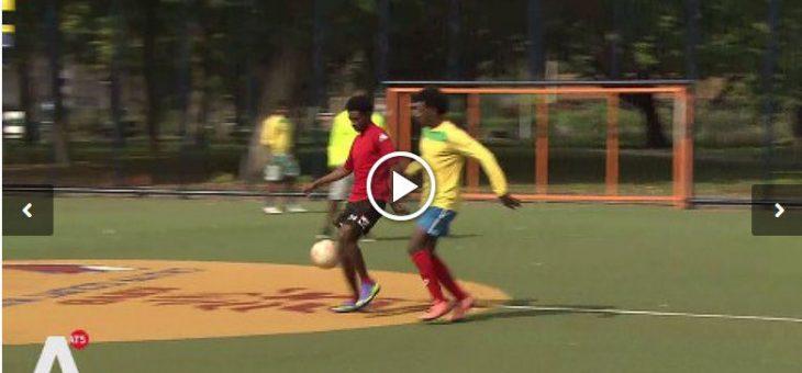 AT5 komt langs tijdens het voetballen